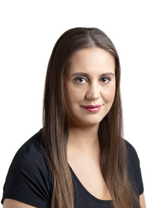 Headshot Sarah